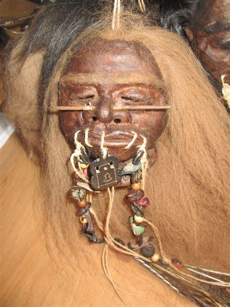 Shrunken Heads : ** Spectacular Shrunken Head