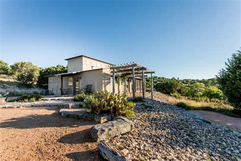 cabin rentals fredericksburg tx 3 bedroom luxury vacation rental fredericksburg tx