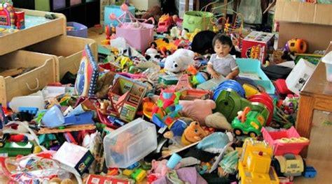ranger une chambre une astuce pour mieux ranger les jouets dans la chambre de