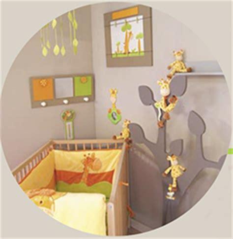 chambre bebe savane décoration chambre bébé savane