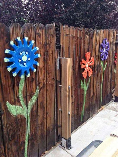 backyard fence decorating ideas top 23 surprising diy ideas to decorate your garden fence