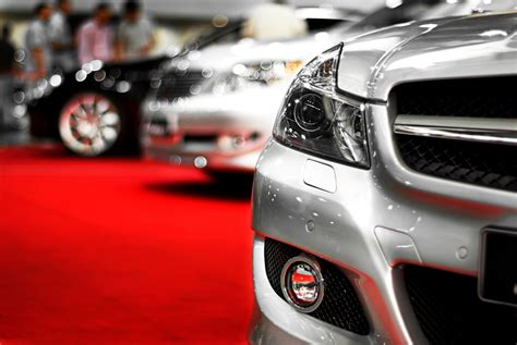 3 Luxury Vehicles & The Personalities They Attract