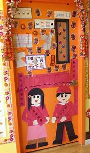 Chinese New Year door decorations, Chinese new year ...