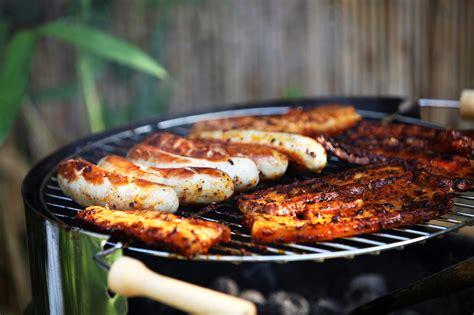 grille cuisine les barbecues au charbon quoi savoir avant de choisir