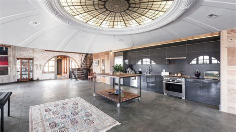 penthouse   lighthouse curbed sf