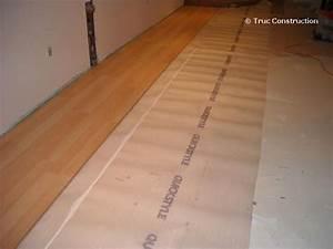 Comment Poncer Un Parquet : pose plancher flottant carrelage design pose parquet ~ Melissatoandfro.com Idées de Décoration