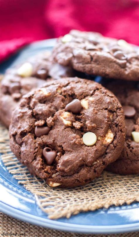double chocolate chip crunch cookies  latte food