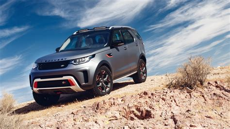 2018 Land Rover Discovery Svx 2 Wallpaper