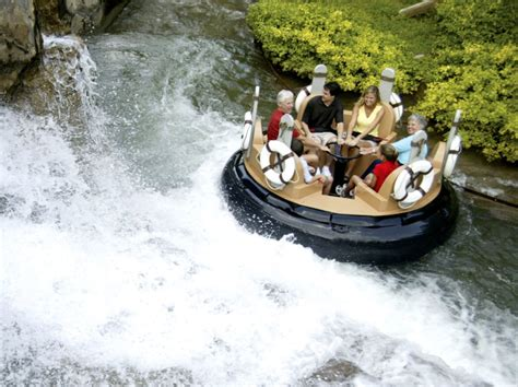 top  reasons  visit silver dollar city  branson