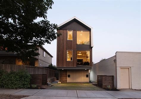 Zweite Haus Vertical House Raises Sustainable Seattle Living To New Heights