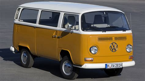 Vw Bus Wallpaper ·①
