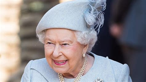 Queen Elizabeth pranked a group of confused American tourists