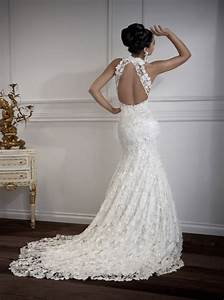 Sensual photos of lace wedding dresses with open back for Open back wedding dresses lace