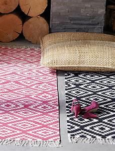Car Möbel Teppich : teppich pink wei von liv interior car m bel ~ Eleganceandgraceweddings.com Haus und Dekorationen