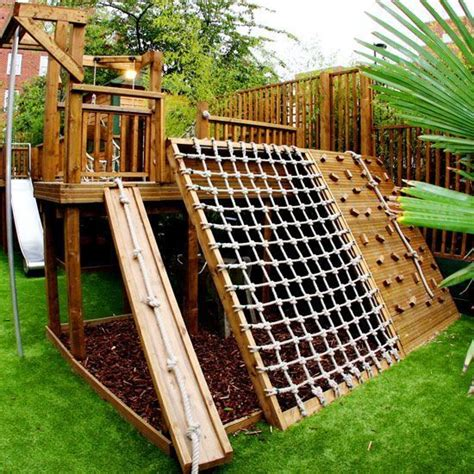 Diy Backyard Forts - best 25 backyard fort ideas on outdoor forts