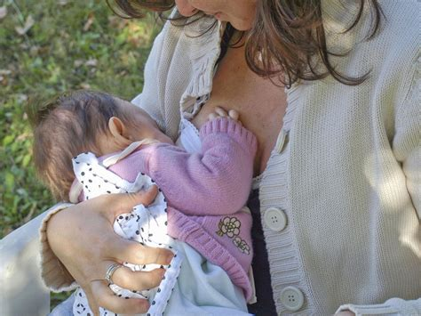 Is It Safe To Breastfeed During Pregnancy Babycenter