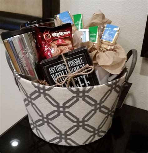 These easy gift baskets make simple gifts. Coffee Gift Basket | Coffee gift baskets, Raffle baskets ...