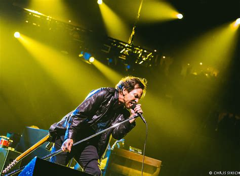 Concert Review Pearl Jam At The Wells Fargo Center