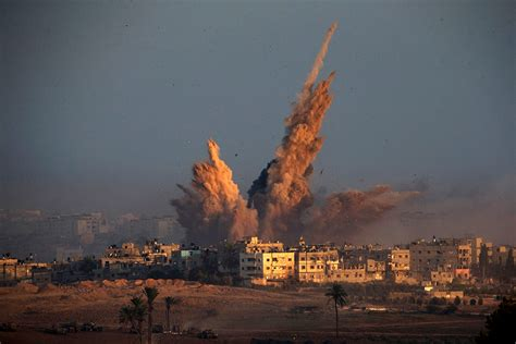 Gaza Strip 40 Powerful Photos Of The Conflict Between Israel And Hamas