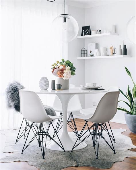 table ronde avec chaise table ikea ronde awesome great table ronde ikea chaise nordmyra ikea uac bureau