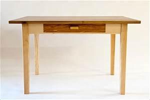 Kleiner Esstisch Holz : kleiner esstisch m a h m bel aus holz ~ Indierocktalk.com Haus und Dekorationen