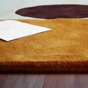 Tapis de luxe contemporain geometrique moon par carving for Tapis contemporain luxe