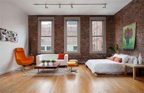 normal room    loft   faux brick