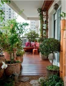 klapptische balkon frühlingsdeko basteln den kleinen balkon frisch gestalten