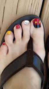 Disney nails art and mickey mouse nail