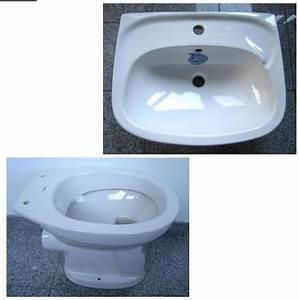 Wand Wc 43 Cm Ausladung : badezimmer set in der farbe weiss mit folgenden 2 ~ Watch28wear.com Haus und Dekorationen