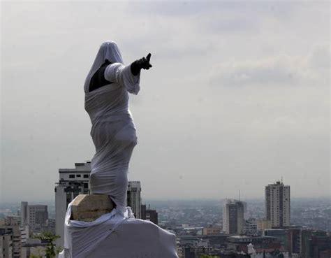 Es un homenaje al conquistador sebastián de belalcázar, quien fundó la ciudad en 1536 y se trata de uno de los monumentos más icónicos de. ¿En qué quedó el debate sobre la estatua de Sebastián de ...