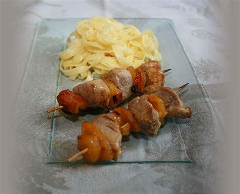 viande facile à cuisiner filet mignon et ananas en brochettes les saveurs de laurence