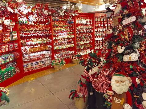 Wonderful Christmas Shop !  Review Of Christmas In Boston