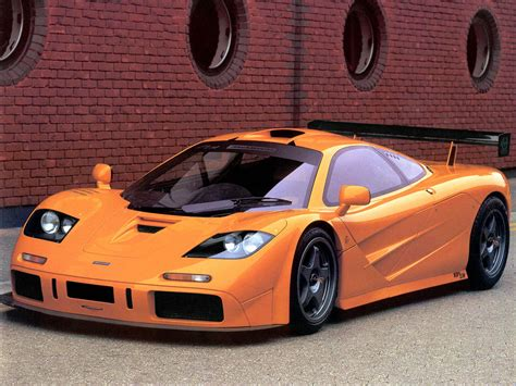 Bugatti veyron vs mclaren f1 hd. Today we have the Bugatti Veyron as the fastest legal car, but back then it used to be the ...