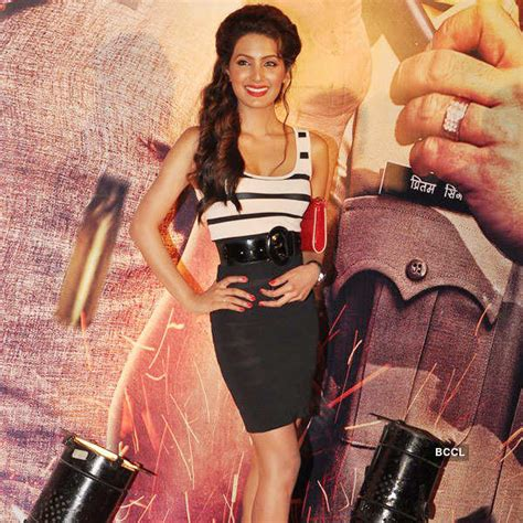 Stunning Geeta Basra steals the show at the premiere of ...