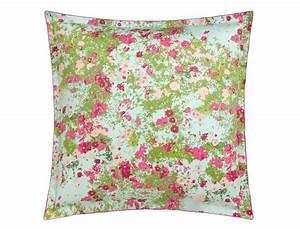 taie d39oreiller fleurs des champs linvosges With affiche chambre bébé avec taie d oreiller fleurie