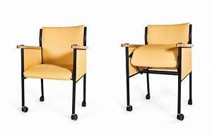 Stuhl Mit Aufstehhilfe : aufstehhilfen f r senioren wiener unternehmen bringt aufstehstuhl ~ Indierocktalk.com Haus und Dekorationen