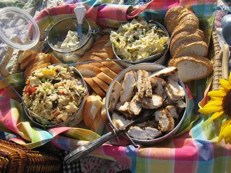 food for picnics the tablescaper picnic dinner at the beach