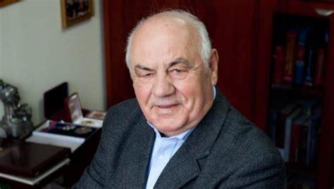 Ish-presidenti shqiptar përsëritë: Kosova është krahinë e ...