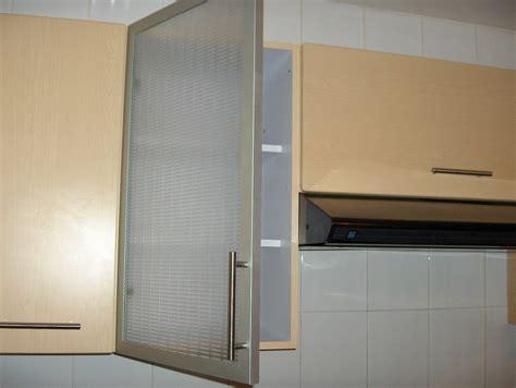 puertas de aluminio  de cristal  cocina