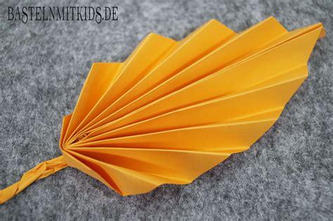 Papier Falten Für Bunte Herbstblätter