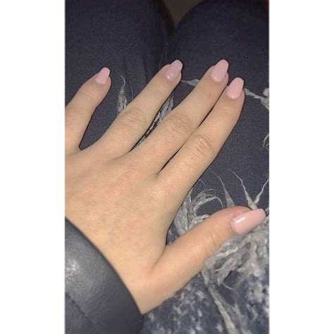 ongles pale