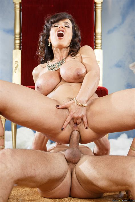 Goddess Of Sex Shares Her Cunt With Mere Mortals Photos