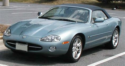 File:Jaguar--XK8.jpg - Wikimedia Commons