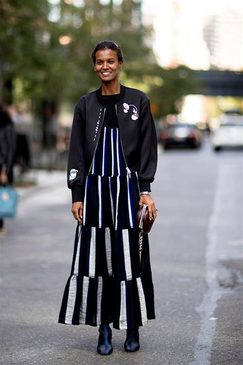 Street Style Looks From New York Fashion Week Spring 2018 u00bb Celebrity Fashion Outfit Trends And ...
