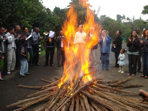 celebration  buhe   bonfire  singing hoya hoye