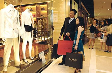 Chinese Travellers  The New Target For Luxury Brands