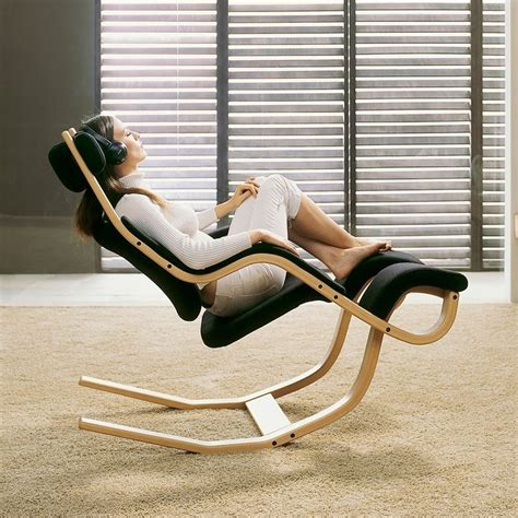 Gravity Balans Chair Australia by How To Properly Use Your Ergonomic Office Chair To Fight
