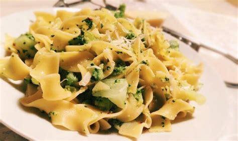 recette pate aux brocolis p 226 tes aux brocolis et au pecorino le bon chef