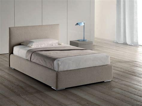 Dimensione Letto Una Piazza E Mezzo - letto samoa modello plain
